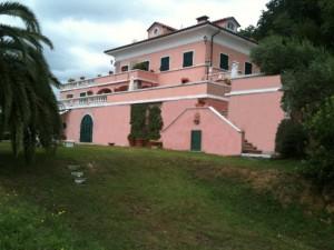 Pink-Villa